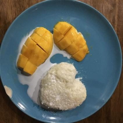 Mmmhhhh... Sticky rice mango